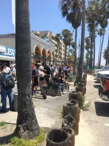 venice-california-boardwalk-looking-right